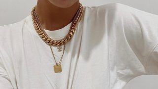 Trend s Instagrama: velika pletena zlatna ogrlica – nose je sve trendseterice!