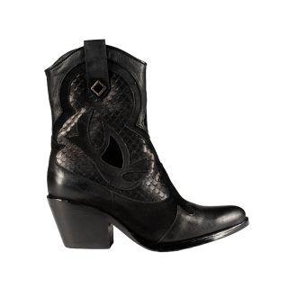 MASS Shoes 1.104,15kn